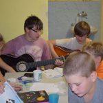 Hra na kytaru a didaktické hry
